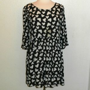 COTTON ON Size Medium Black and White Size Hearts